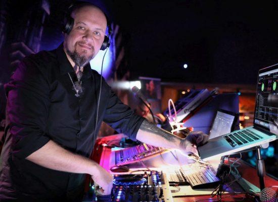 enterteiment DJ  (3)
